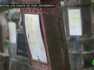 """Un grupo de chalecos amarillos insultan a un filósofo judío :""""Vete a casa, asqueroso sionista de mierda"""""""