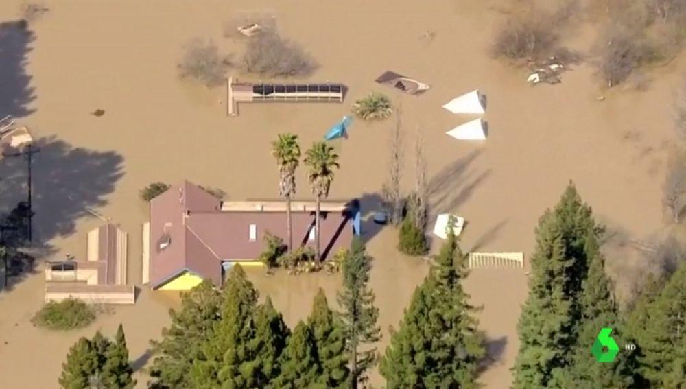 Un fallecido por las fuertes inundaciones