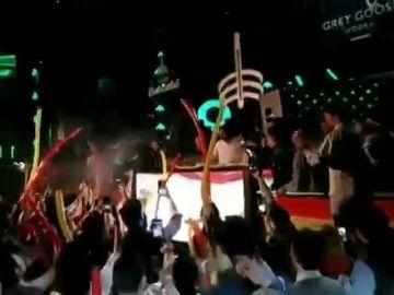 """Santiago Abascal pincha el himno de España en la antigua discoteca Pachá: """"Estamos aquí por nuestra patria"""""""
