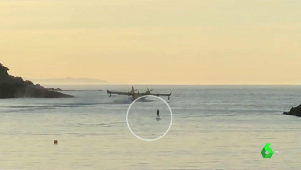 Maniobra de un hidroavión en la playa de La Concha de San Sebastián