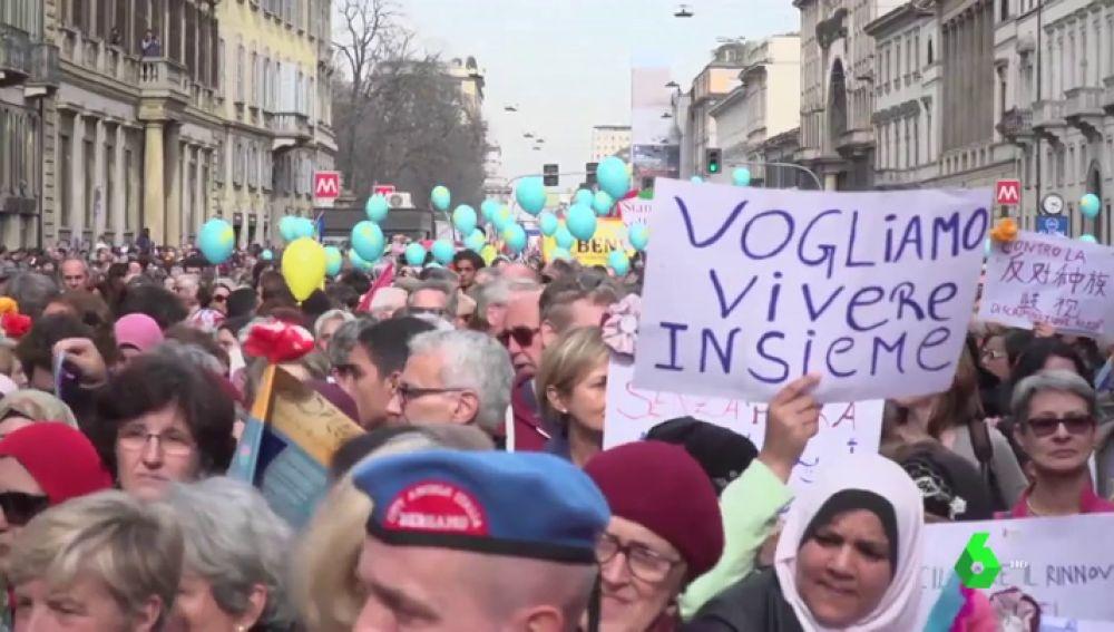 Protesta contra el racismo y la política migratoria del Gobierno italiano en Milán