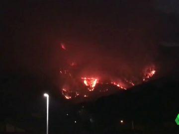 Varios incendios forestales arrasan con los montes de Bizkaia