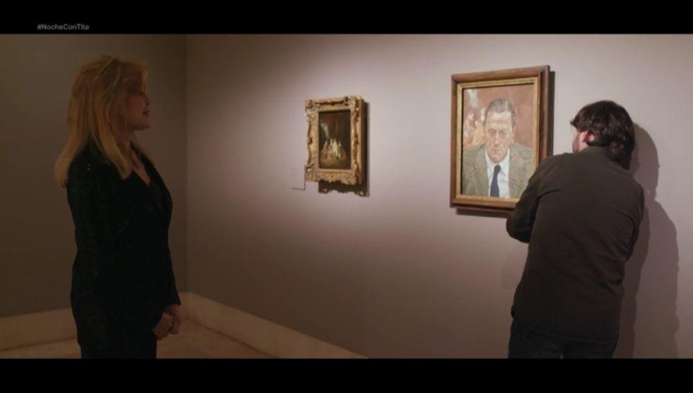 El divertido momento en el que Jordi Évole comprueba con Tita Cervera cómo se cuelgan los cuadros en el museo Thyssen