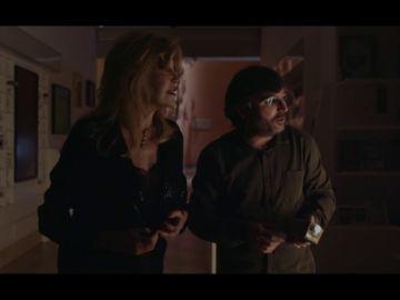 Jordi Évole 'saquea' la tienda del museo Thyssen con la ayuda de la propia Tita Cervera