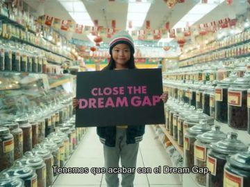 Las niñas protestan por la falta de oportunidades en un vídeo que vuelve a ser viral con motivo del 8M
