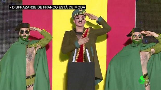El disfraz de Franco se convierte en todo un éxito este Carnaval 3e74d9dc2f15