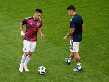 James y Falcao, durante un entrenamiento con Colombia