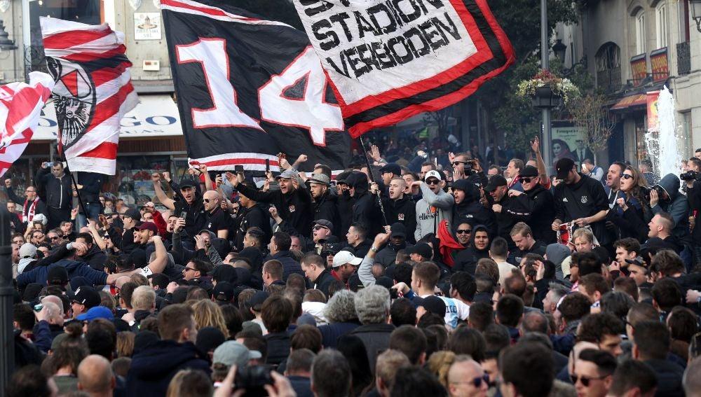 Aficionados del Ajax en Madrid