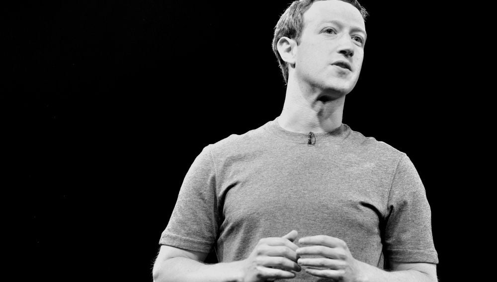 Facebook compartió con compañías datos de usuarios sin autorización