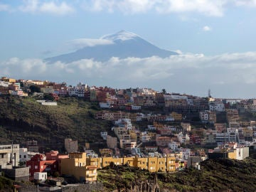 Vista del Teide desde San Sebastián de La Gomera
