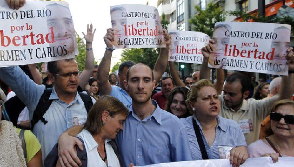 Carmen Bajo y Carlos Cano durante una manifestación