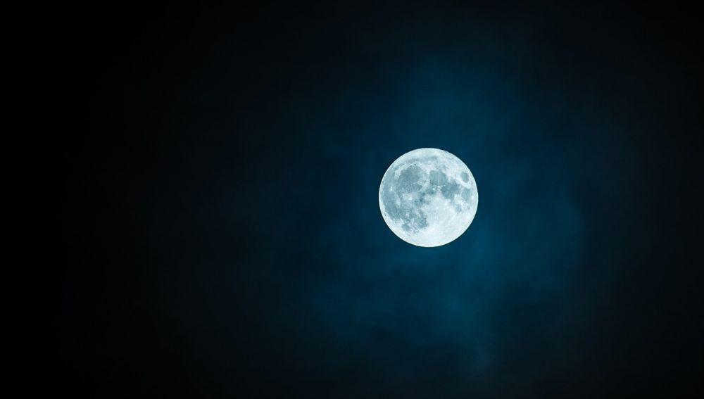 Si todo sale bien, en la Luna habrá una diminuta biblioteca que se podrá consultar dentro de millones de años