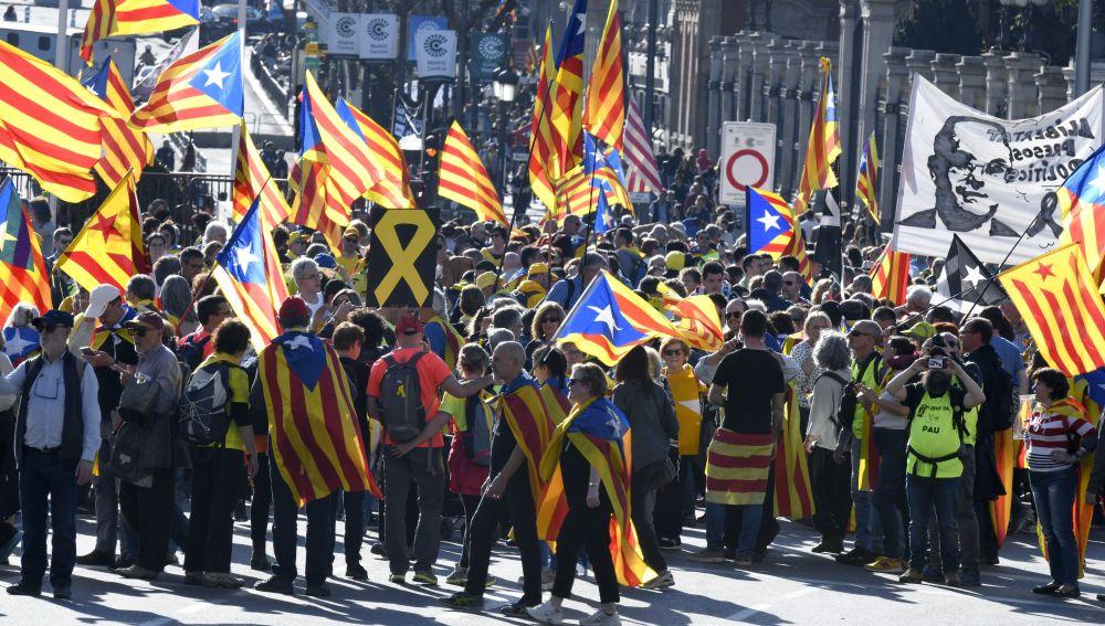 """Manifestación que bajo """"Democracia es decidir"""" ha sido convocada en Madrid"""
