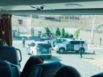"""Imagen subida por la diputada del PdeCat @miriamnoguerasM Seguir Seguir a Miriam Nogueras para denunciar el """"asedio"""""""