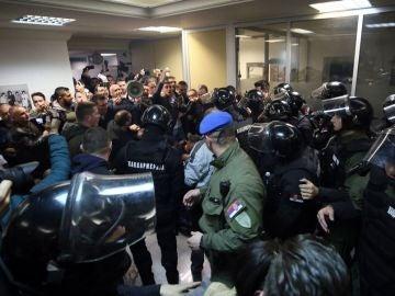 Ocupación de la televisión pública serbia