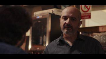 """La historia de vida de un camarero de un bar de carretera: """"Hasta los 12 años estuve en un hospicio"""""""