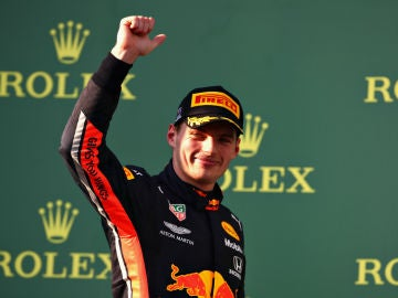 Verstappen, en el podio de Australia