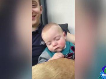 Así es el infalible (y sorprendente) truco de un padre para conseguir que su hijo se duerma en segundos