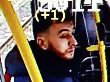 La Policía holandesa difunde la imagen de un joven al que vincula con el tiroteo