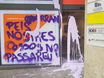 Pintada en la sede de Ciudadanos