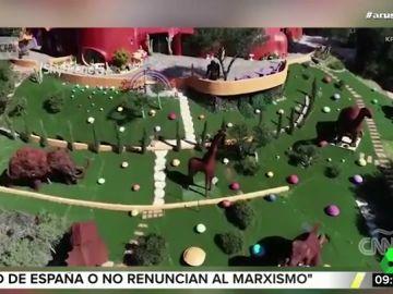 Denuncian a un hombre por construir la casa de 'Los Picapiedra' sobre la falla de San Andrés