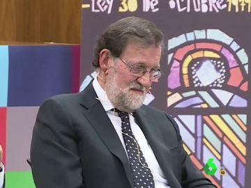 #VídeosManipulados: Descubrimos qué piensa realmente Mariano Rajoy de coloquio con Rodríguez Zapatero