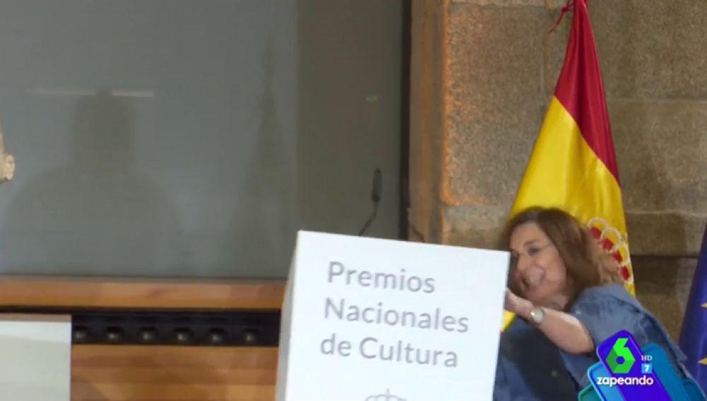 una surrealista caída: las anécdotas de los Premios Nacionales de Cultura