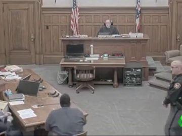 Un hombre condenado a 22 años de prisión suma seís más de cárcel por su violenta reacción ante el juez