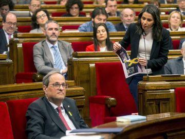 Inés Arrimadas y Quim Torra hoy en el Parlament