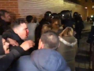Al menos un manifestante herido en las protestas vecinales en Vallecas
