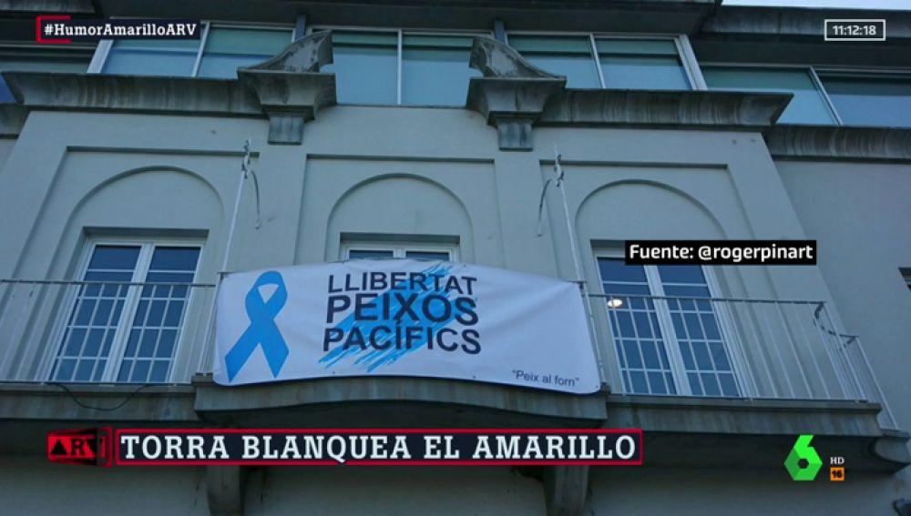"""La pancarta de Port de la Selva para esquivar a la Junta Electoral: """"Libertad peces pacíficos"""""""