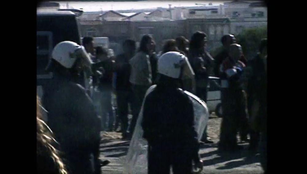 Así se dio el brote de violencia racista que incendió el 'mar de plástico' de Almería