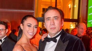 Nicolas Cage y Erika Koike