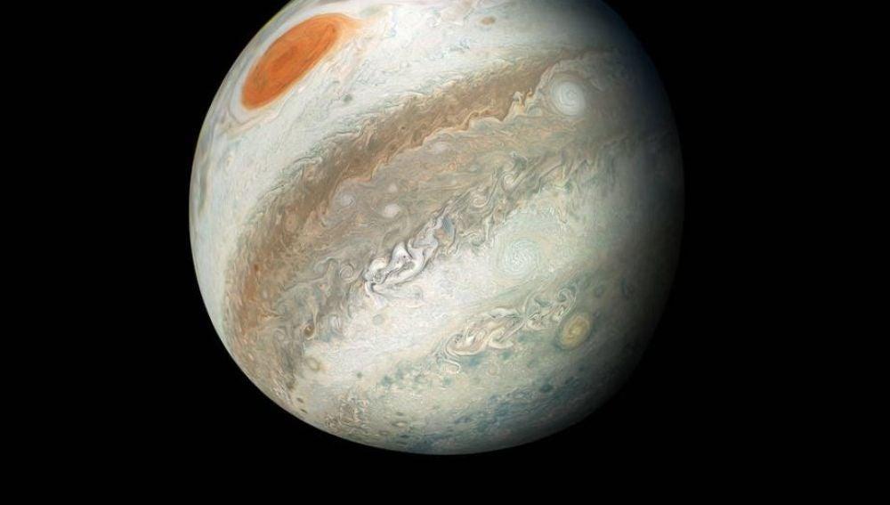 Júpiter, en oposición esta primavera, captado por la sonda Juno
