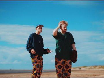 Stephen Fitzpatrick y Audun Laading, miembros de la banda