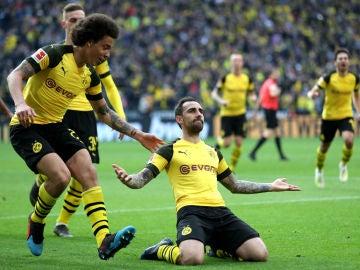 Paco Alcácer celebra un gol