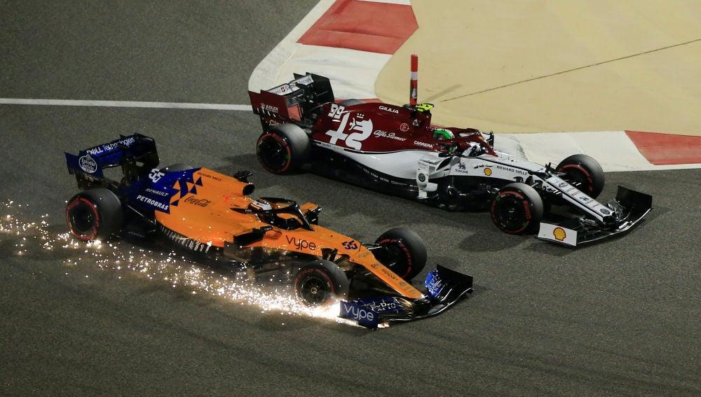 Carlos Sainz, en el momento de su avería en el alerón delantero