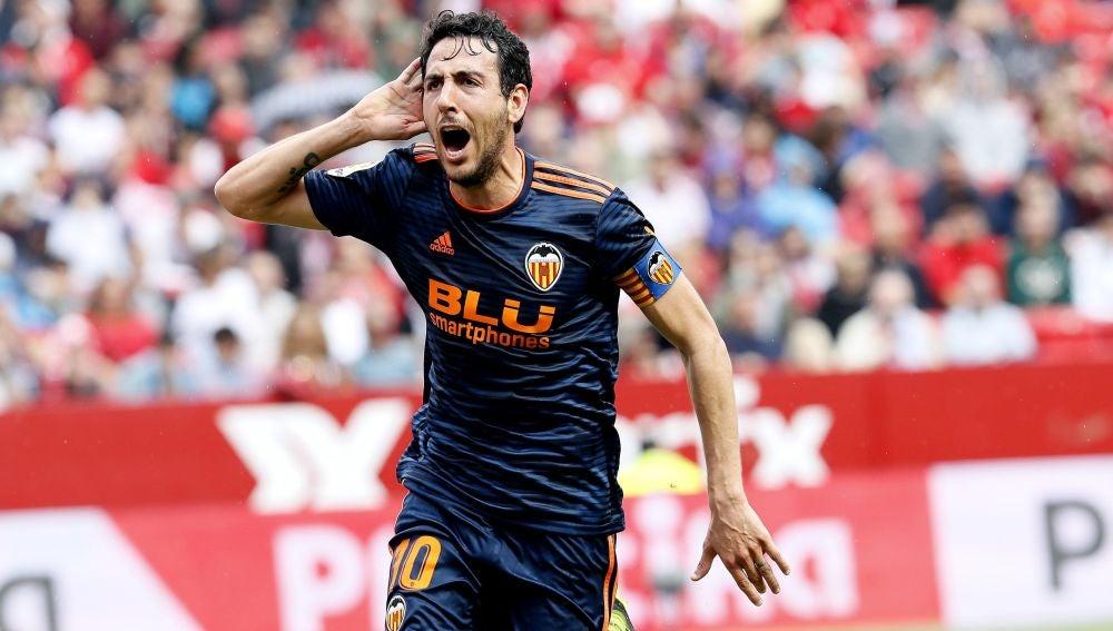 Parejo celebra su gol contra el Sevilla