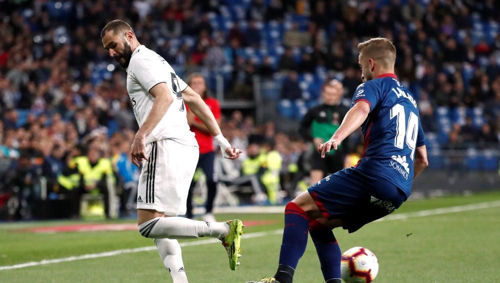 Momento del partido entre Real Madrid y Huesca
