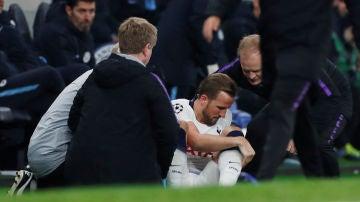 Kane se duele tras la entrada de Delph