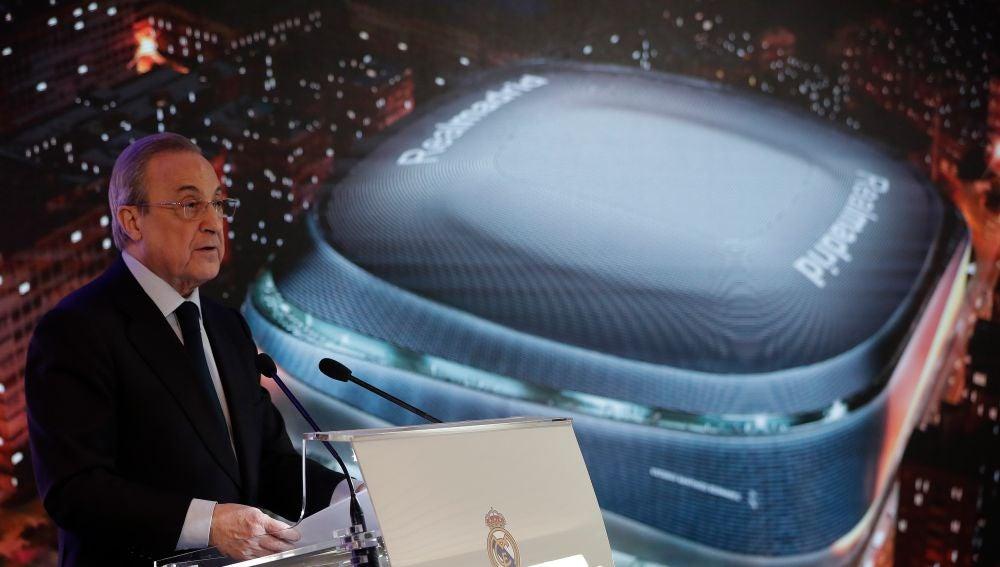 Florentino Pérez presentando el nuevo Santiago Bernabeu
