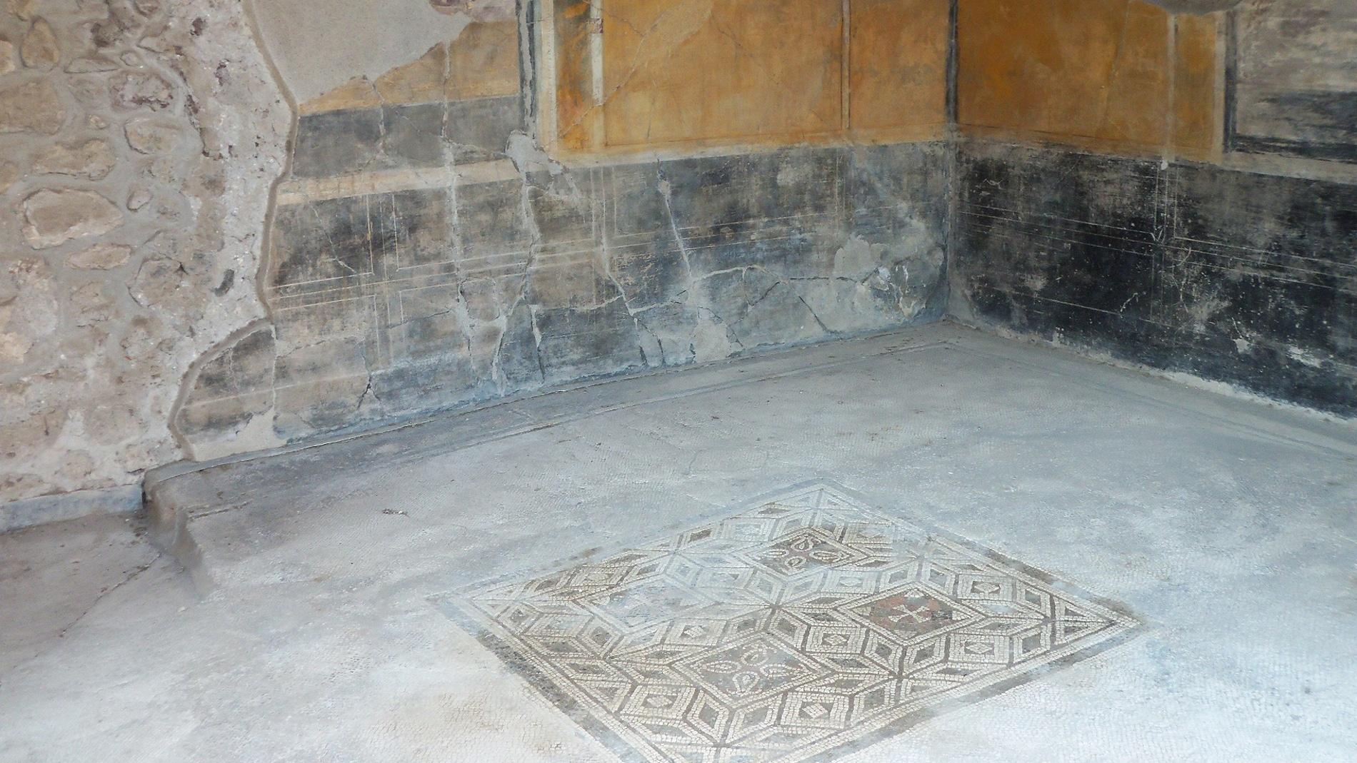 Desvelan la composicion de los mosaicos de una casa de Pompeya
