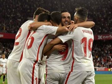 El Sevilla celebra un gol