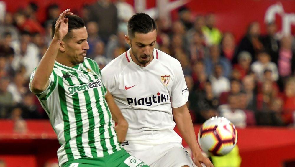 Sarabia, durante el partido contra el Betis