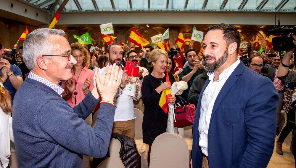 Santiago Abascal al dirigente de VOX José Antonio Ortega Lara