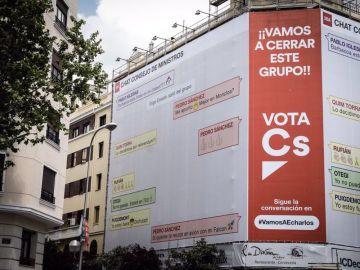 Lona de Ciudadanos en la calle Goya de Madrid.