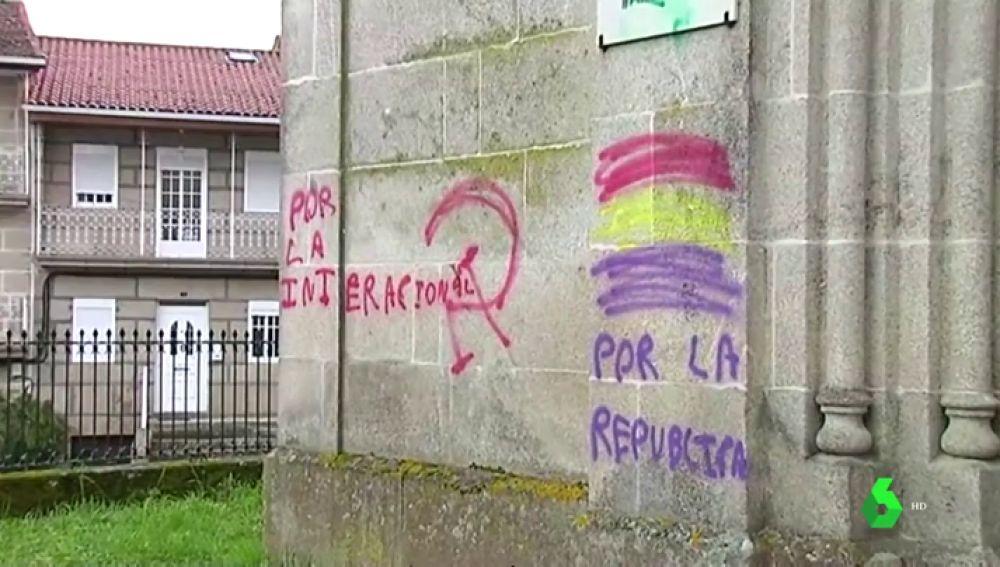 La Guardia Civil investiga las pintadas a favor de la República en una iglesia de Ourense