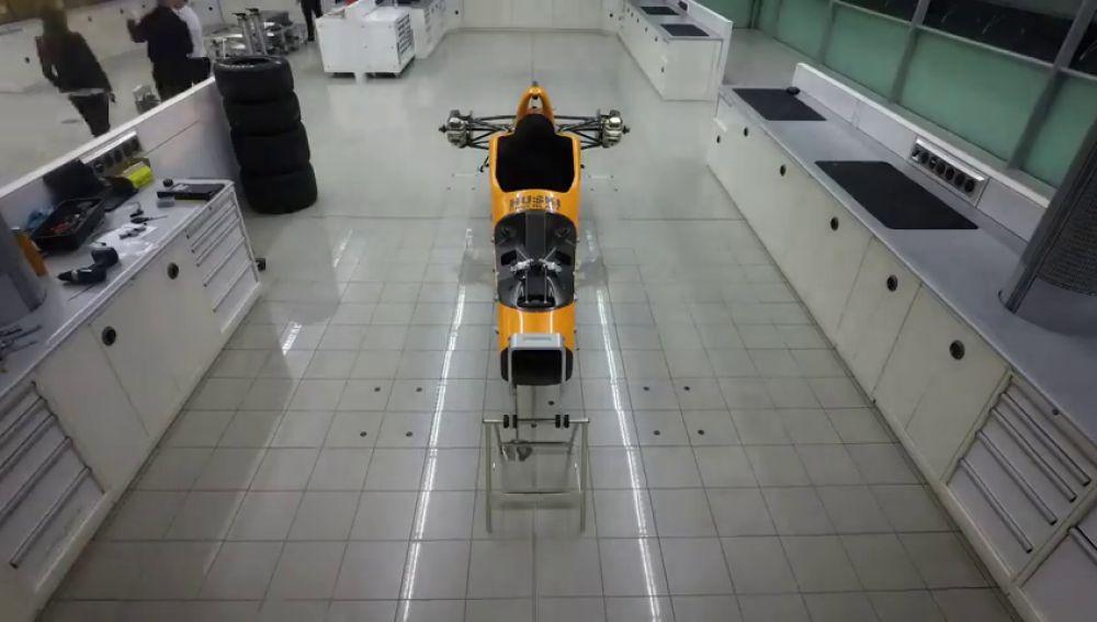 El montaje del McLaren de Fernando Alonso para las 500 Millas de Indianápolis, en modo time-lapse