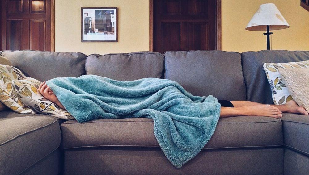 Dormir en un sofá