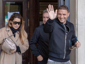 Joaquín Sánchez junto a su mujer, Susana Saborido
